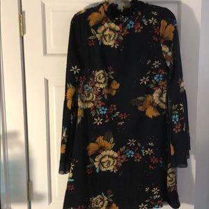 Bell sleeve smock dress
